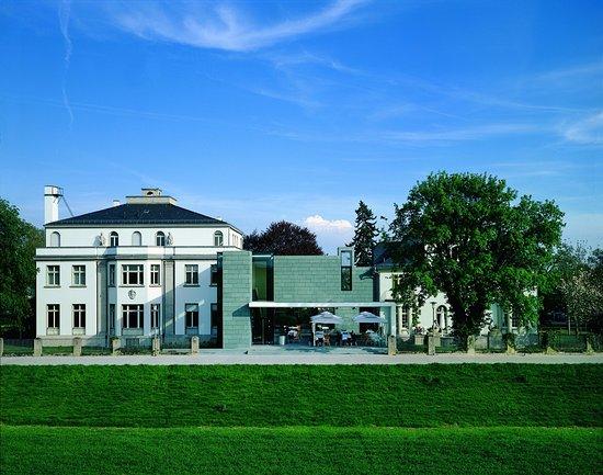 Kunst- und Kulturstiftung Opelvillen Ruesselsheim