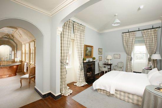 Glaslough, Irland: Eagles Nest Master Bedroom