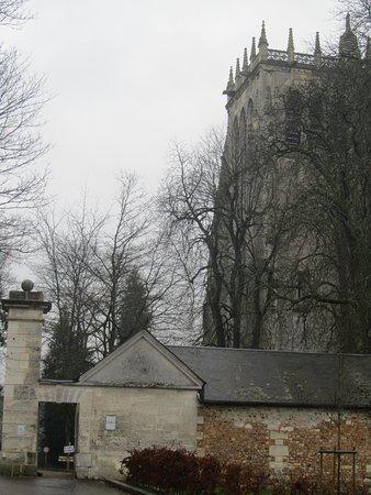 Abbey of Bec-Hellouin: tour dans le parc de l abbaye