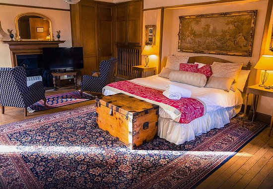 Spittal of Glenshee, UK: One of our Tower rooms