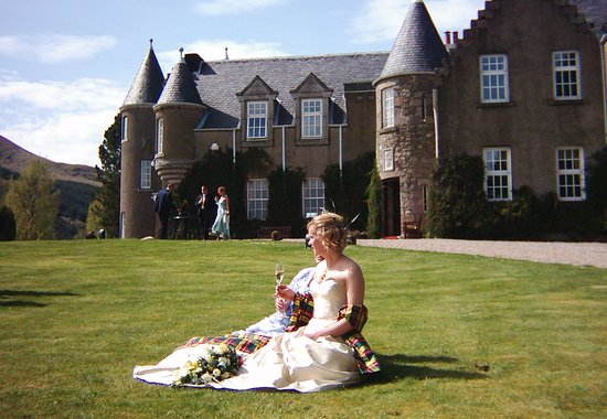 Spittal of Glenshee, UK: Wedding at Dlamunzie