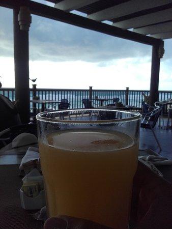 Golden Parnassus All Inclusive Resort & Spa Cancun: Café da manhã no Restaurante Pier 12, com vista para o mar!