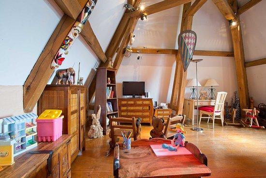 Joigny, Francia: Salle de jeux des enfants
