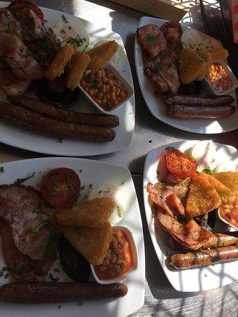 Landsborough, Australia: Markets 2nd Saturday monthly, lots of homemade goodies