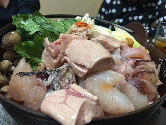 Toride, Japonia: アンコウ鍋。肝がごろごろと。