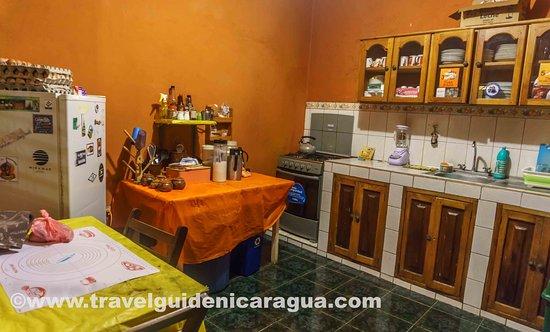 Hostel La Siesta: Cocina