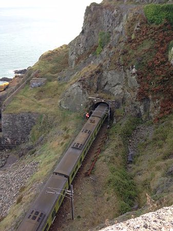 Bray, Ireland: Train line.