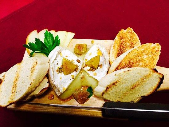 Pogreba Restaurant: Baked Brie