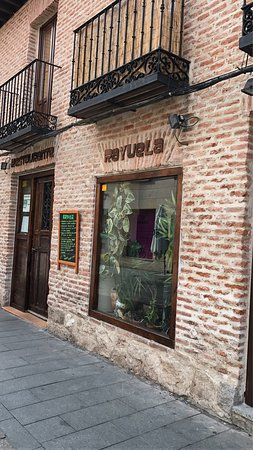 Restaurante restaurante rayuela en alcal de henares con - Cocinas en alcala de henares ...