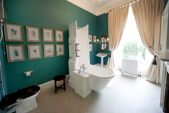 Glaslough, Irlanda: Bathroom in The Blue Master Bedroom in The Castle