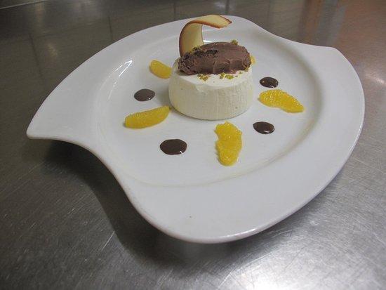 Carbon-Blanc, France: blanc manger coco