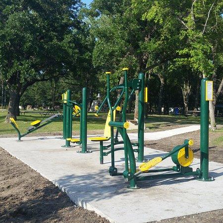 Killarney, Canada: momentum-use exercise equipment