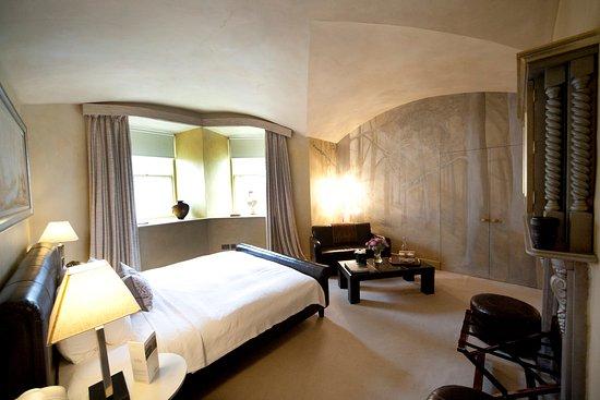 Castle Leslie Estate: The Room of Calm Heritage Bedroom