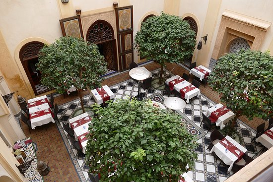 Riyad Al Moussika: Second courtyard is the Pepe Nero restaurant