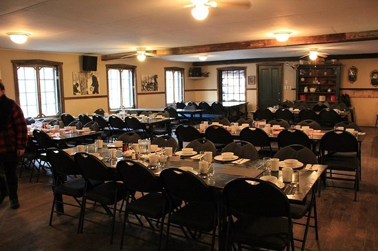 St Augustin de Desmaures, Canada: The dining room set up for our party of 100+