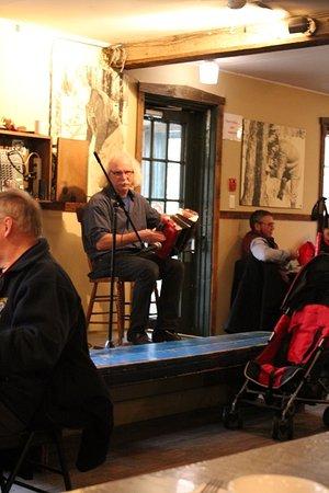St Augustin de Desmaures, Canada: Our musician