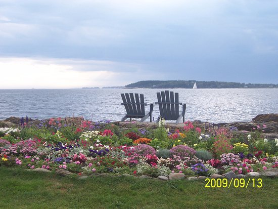 East Boothbay, ME: Chairs set for the sunset view