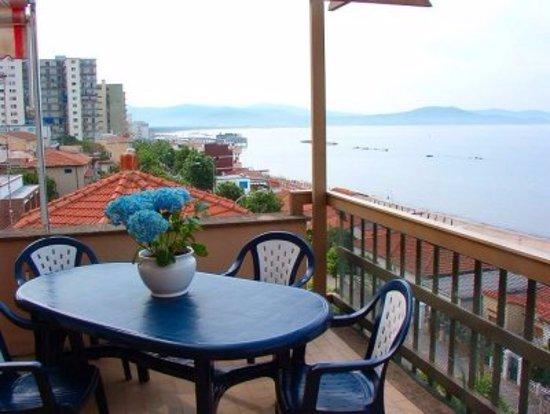 Terrazzo appartamento - Picture of Residence Le Terrazze, Follonica ...