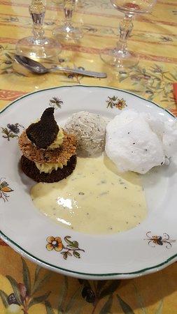 Le Mas des Vertes Rives: repas à la truffe