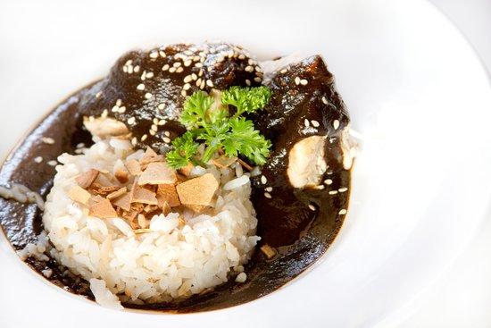 Hotel Azul: Mole negro con pollo