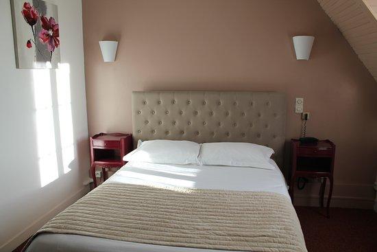 Hotel moderne gisors frankrijk foto s reviews en