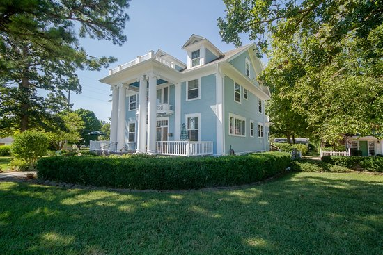 Marshfield, MO: Dickey House Street View