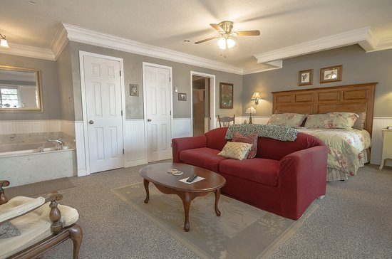 Marshfield, MO: Carriage House suite