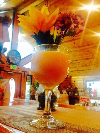 Shasta Lake, Kalifornien: Endless Mimosa
