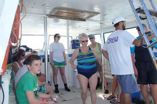 Captain Slate's SCUBA Adventures : dive/snorkel boat
