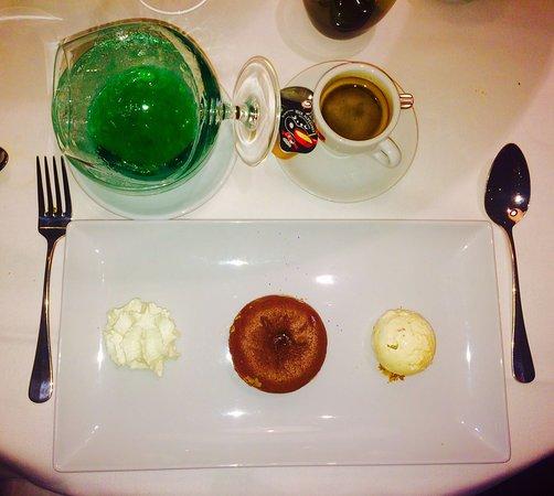 Nyon, Suiza: Fondant chocolat accompagné d'un Get27