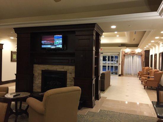 Homewood Suites by Hilton Burlington: Great hotel