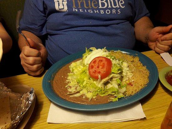 El Vallarta Mexican Restaurant: Husband's meal--steak burrito
