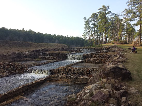 Zavalla, Техас: Spillway from Boykin Springs Lake. Kiosk says the CCC built it this design, it got washed out in
