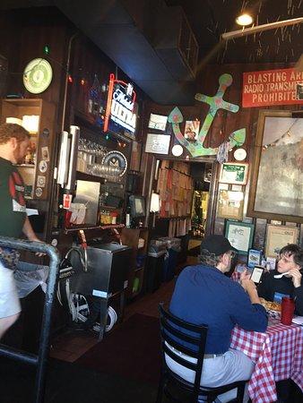 Huey's Midtown : photo2.jpg