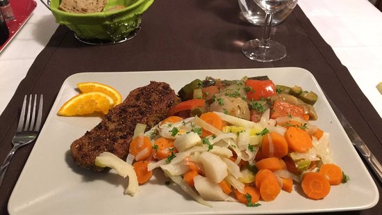 Pithiviers, Francja: Escalope au poivre et légumes
