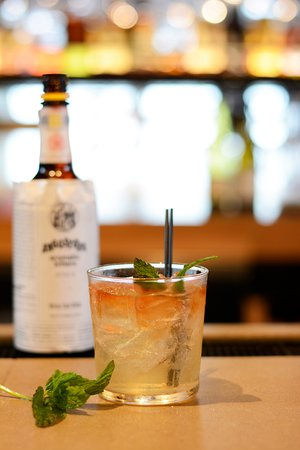 Jenner, แคลิฟอร์เนีย: The Remedy - Timber Cove's Welcome Drink with Cock&Bull Ginger Beer, Angostura Bitters & Fresh M