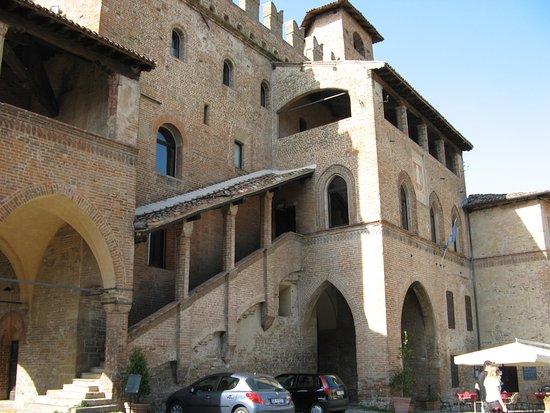 Palazzo del Podesta: Palazoo del Podestà - Façade