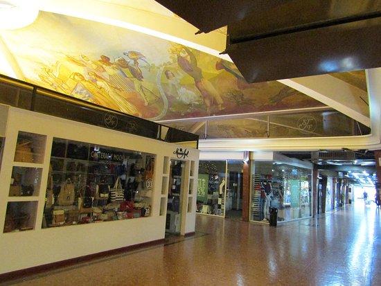 Capital Federal District, Argentina: Galeria San Jose de Flores