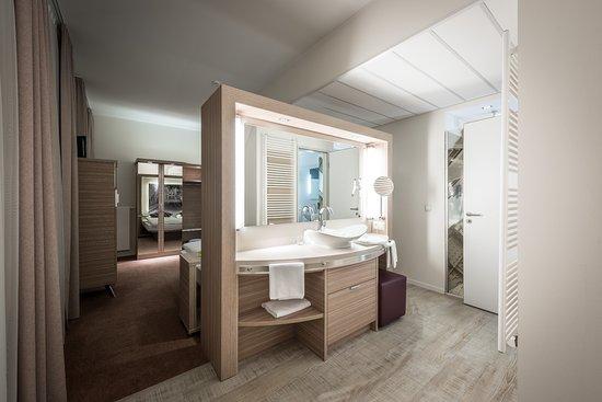 Das Offene Badezimmer Im Hotel Freiherr Von Schwarzenberg