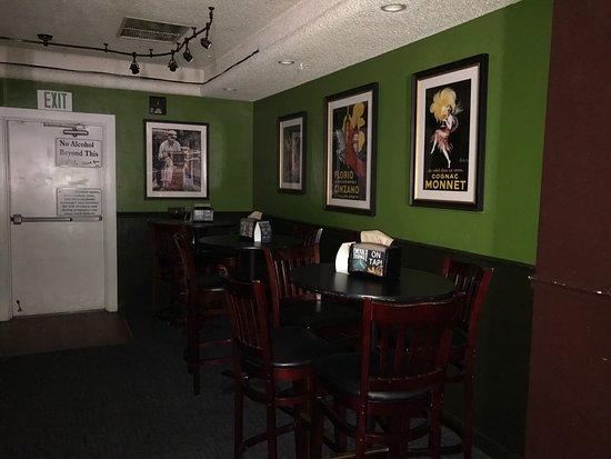 Ukiah, CA: The Alley Bar & Lounge