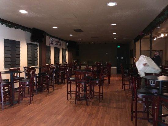 Ukiah, Kaliforniya: The Alley Bar & Lounge