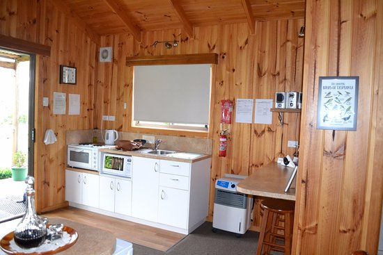 Duffy's Country Accommodation: Berryfields Cabin at Duffys 2.