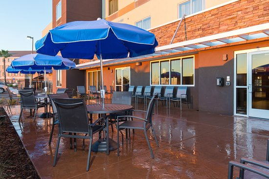 Folsom, CA: Our outdoor patios seating is available for your enjoyment.
