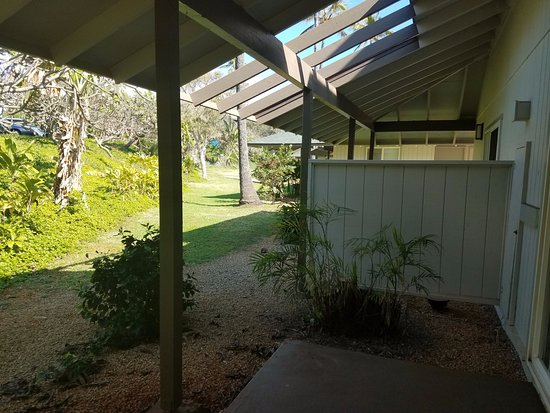 View From Patio To Backyard Of Cottage Picture Of Hilton Garden Inn Kauai Wailua Bay Kapaa