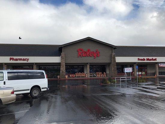 Ukiah, Калифорния: Raley's