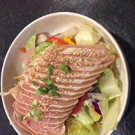 Duncan, Canada: Tuna Tataki $9.95