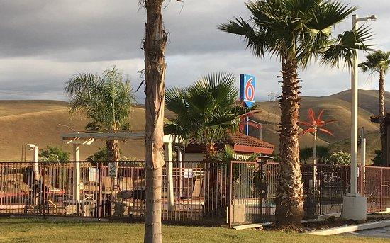 Westley, CA: Pool side
