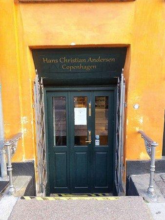 Hans Christian Andersen Place: FB_IMG_1485214968274_large.jpg