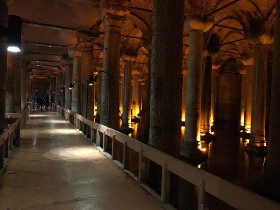Basilica Cistern - イスタンブ...