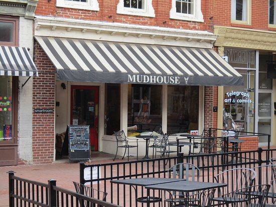 Mudhouse Coffee: Outside view